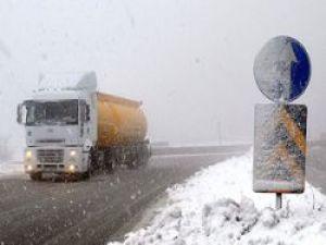 Dikkat Kış Geri Geldi Bolu'da Ulaşıma Kar ve Sis Engeli