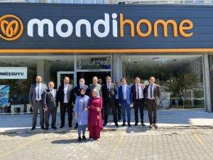 Erciyes Anadolu Holding'in CEO'su Ertekin,Bellona Mobilya mağazalarını ziyaret etti