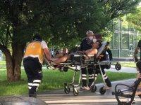 Mimarsinan parkında tartıştığı genci boğazından bıçakladı