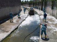 Kocasinan'da kanallar temizleniyor
