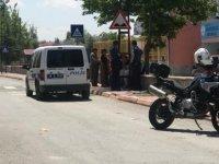 Kocasinan Fevzioğlu'nda Silahla vurulan kadın hastaneye kaldırıldı