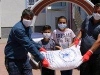 Yeşilhisar'da 250 torba un ihtiyaç sahiplerine dağıtıldı