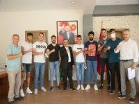 Develi Belediyesi voleybol takımı Başkan Cabbar'ı ziyaret etti