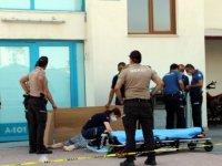 Kocasinan zümrüt'te 8. kattan atlayan kadın hayatını kaybetti