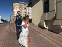 Evlerden ziynet eşyasI çaldığı tespit edilen bir kadın polis ekiplerince yakalandı
