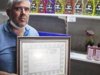Kayseri'nin 3. kuşak kolonyacısı satışlara şaşırdı