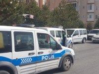 Mimarsinan'da kafasına silahla ateş eden şahıs ağır yaralandı