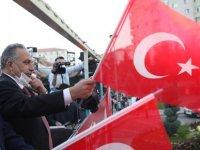 """Başkan Yalçın: """"Bize Cumhuriyet'e sahip çıkmak yaraşır"""""""