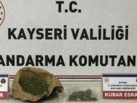 Kayseri'de bir evde yapılan aramada esrar ele geçirildi