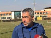 Samet Aybaba, antrenmanda açıklamalarda bulundu