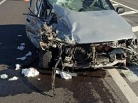 Bünyan Karatay'da Otomobil ile ambulans çarpıştı: 3 yaralı