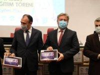 Melikgazi Belediyesi, Büyükşehir ve Kocasinan işbirliği ile 5 bin adet tablet Milli Eğitim Müdürlüğü'ne teslim edildi