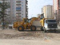 Melikgazi Belediyesi Yıldırım Beyazıt'ta yıkılan hafriyatı kaldırılıyor