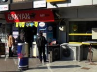 Fevziçakmak'ta şans oyunu oynatan dükkan sahibine para cezası tutanağı