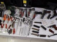 Belsin'de silah operasyonu: 2 gözaltı