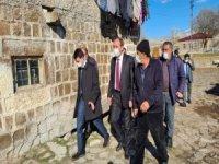 Başkan Şahin hayvanları yanan vatandaşı ziyaret etti geçmiş olsun dileklerinde bulundu