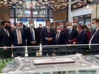 Başkan Çopuroğlu Cuma Namazı Sonrası Kumsmall AVM'de esnafları gezdi