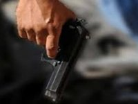 Talas'ta Annesinin tüfeği ile komşusunu vurdu