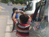 Kayseri'de Çocuklarına trafikte mendil sattıran 4 aileye işlem yapıldı