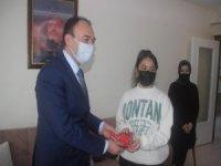 İl Milli Eğitim Müdürü Çandıroğlu'ndan şehit kızına ziyaret