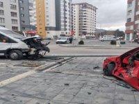 Battalgazi'de feci kaza: 3 yaralı