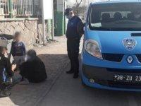 Kayseri'de rezidanslarda kalan dilenciler yakayı ele verdi