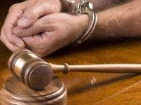 Uyuşturucu ticareti yapan sanığa 10 yıl hapis cezası