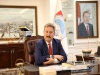 BAŞKAN PALANCIOĞLU, YÜZME SPORCUSU YADE SEZEN'İ TEBRİK ETTİ