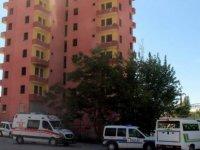 Yıllardır yıkılamayan Esentepe'de Metruk bina bahçesinde ölü bulundu