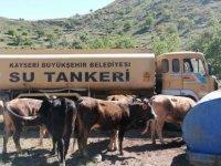 Büyükkılıç yılanlı dağında susuz kalan çiftçinin hayvanlarına 20 ton su gönderdi