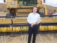 Erbakan: Bu şartlar altında üretim yapan çiftçiye madalya takılmalı