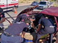 Kayseri'de feci kaza karşı şeride geçti ağaçlara çarparak durabildi