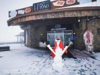 İlk kardan adam Erciyes'te yapıldı