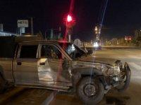Minibüs ile hafif ticari araç kaza yaptı: 1 yaralı