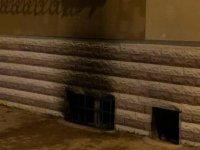 Sobadan çıkan yangında görevli dairesi küle döndü