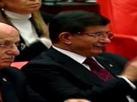 Başbakan Davutoğlu'ndan Deniz Baykal'a alkış-video