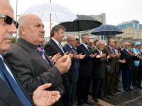 KAYSERİ'DEN BAYIR BUCAK'A,SEKİZ TIR YARDIM GÖNDERİLDİ
