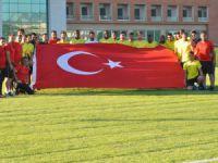 Kayserispor Futbolcularıdan Türk bayrağı ile poz