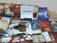 Kayseri'de FETÖ'ye ait 73 adet kitap ile uyuşturucu ele geçirildi