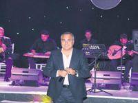 Kayseri Milletvekili Mustafa Elitaş'ın şarkıcı yeğeninden büyük başarı