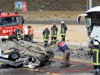 Erciyes yolu Otobüsle çarpışan otomobil takla attı: 1 ölü, 4 yaralı