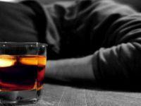 Alkollüyken darbeyi övdü, 25 gün hapis cezası aldı