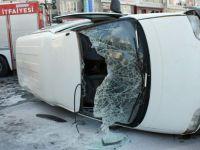 Sahabiye'de Otomobil ile çarpışan araç yan yattı