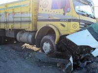Serbest Bölge Yolunda Kamyon ile otomobil çarpıştı: 1 ölü