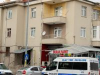 Kayseri'de 2 çocuk babası kemerle kendini astı