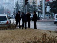 Sivas caddesi'nde Otomobil refüje çıktı: 2 yaralı