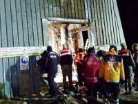 Kayseri'de 100 metrelik kuyuya düşen işçiler kurtarıldı