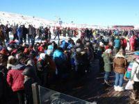 Erciyes hafta sonu 60 bin kayak severi ağırladı