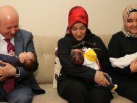 Başkan Çolakbayrakdar çifti üçüz bebek ziyaretinde