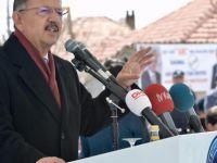 Özhaseki: Allah Cumhuriyet Halk Partilileri o adamdan kurtarsın